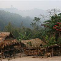 001-Лаос-деревня-в-горах